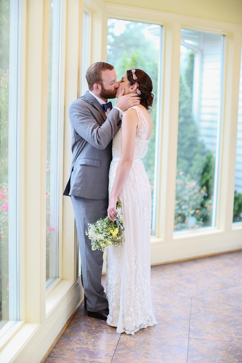 Comus Inn wedding just outside of Washington, DC. Wedding photos by Jalapeno Photography.