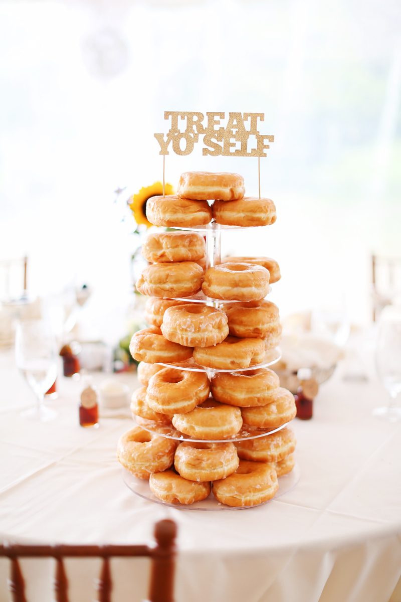 Doughnut wedding cake at the Comus Inn at Sugarloaf Mountain. Wedding photos by Jalapeno Photography.