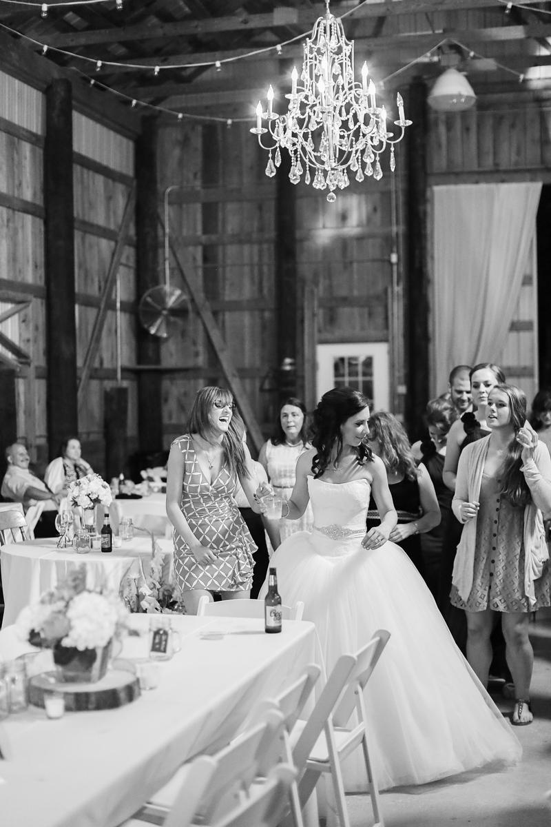 Robin Hill Farm and Vineyard wedding photos by Jalapeno Photography.