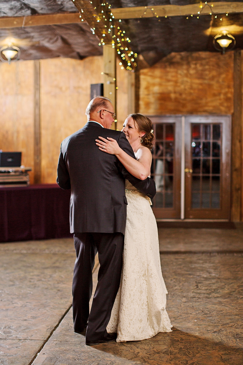 Bluemont Vineyard wedding by Jalapeno Photography. The father-daughter dance.