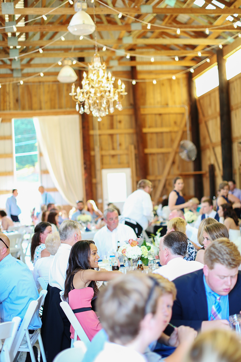 Robin Hill Farm and Vineyards wedding photos by Jalapeno Photography. Elegant barn wedding.