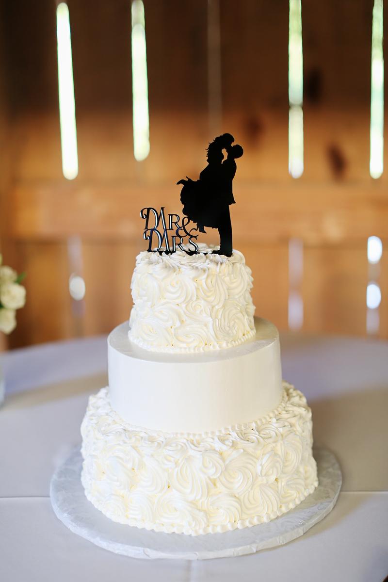 Simple wedding cake and cake topper. Elegant barn wedding photos by Jalapeno Photography.